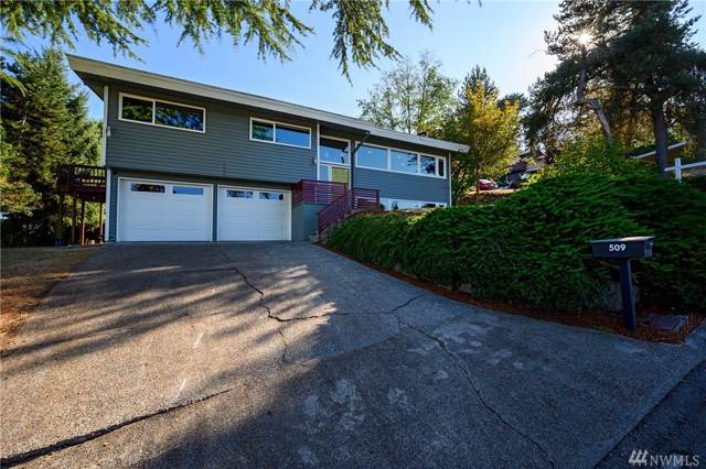 509 NW 5th Place, Renton, WA 98057 (#1515624) :: Canterwood Real Estate Team