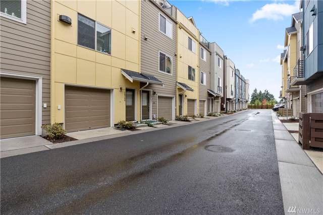 15751 NE 14th Terr #2604, Bellevue, WA 98008 (MLS #1520716) :: Lucido Global Portland Vancouver