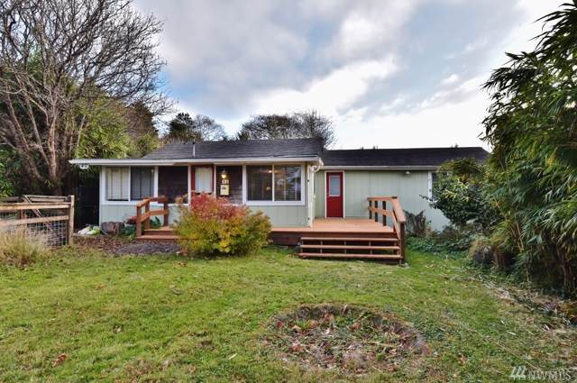 40 Elma St, Copalis Beach, WA 98535 (#1521145) :: Record Real Estate