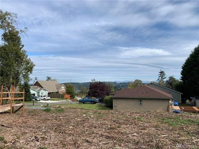 4876 Harbor Hills Dr, Freeland, WA 98249 (#1525416) :: Keller Williams Realty