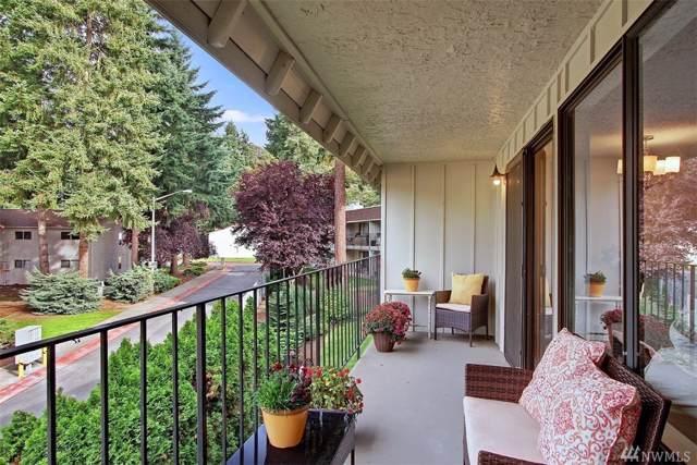 12504 NE 117th Place C-2, Kirkland, WA 98034 (#1527308) :: Real Estate Solutions Group