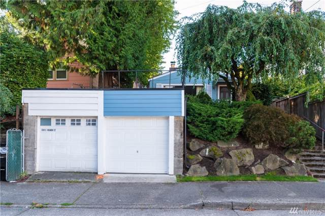 2205 E Roanoke St, Seattle, WA 98112 (#1529895) :: Keller Williams Western Realty