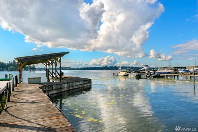 4635 NE Lake Washington Blvd, Kirkland, WA 98033 (#1529984) :: Record Real Estate