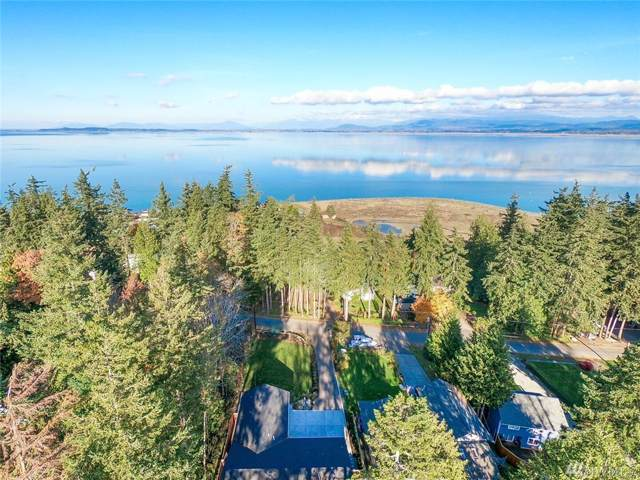 360 Tillicum Way, Camano Island, WA 98282 (#1535785) :: Pickett Street Properties