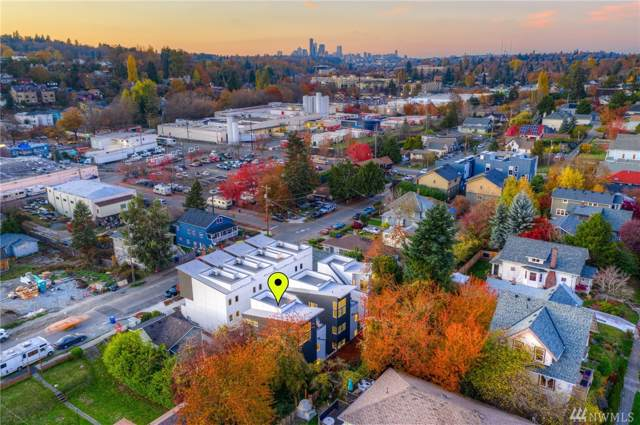 4210 37th Ave S, Seattle, WA 98118 (#1535795) :: Real Estate Solutions Group