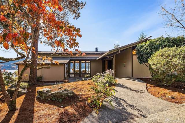 3815 E Lake Sammamish Shore Lane SE, Sammamish, WA 98075 (#1537380) :: Keller Williams Realty