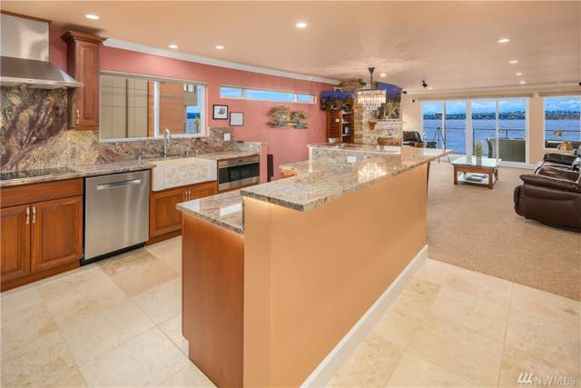 807 Lake Street S #203, Kirkland, WA 98033 (#1539831) :: Tribeca NW Real Estate