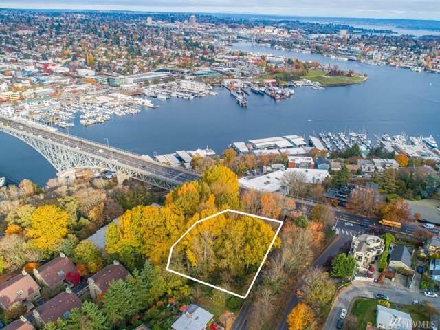 500 Raye St, Seattle, WA 98119 (#1540774) :: Alchemy Real Estate