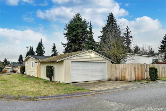 7608 223rd Street SW, Edmonds, WA 98026 (#1546691) :: Real Estate Solutions Group