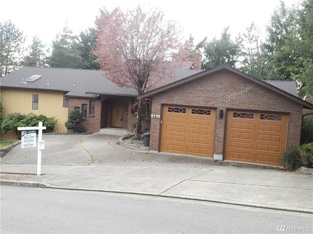 5775 Highland Dr, Bellevue, WA 98006 (#1547406) :: Real Estate Solutions Group
