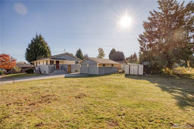 12049 16th Ave S, Seattle, WA 98168 (#1549363) :: Real Estate Solutions Group