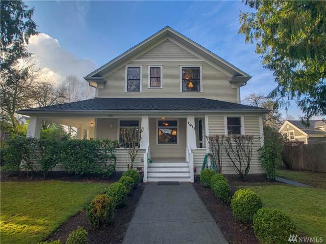 1911 45th Ave SW, Seattle, WA 98116 (#1551846) :: The Kendra Todd Group at Keller Williams