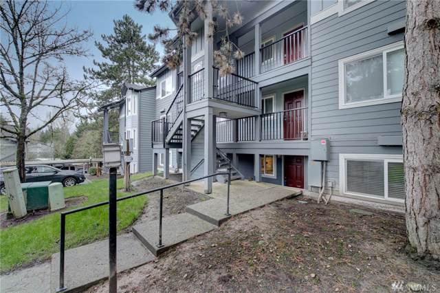 11103 NE 124th Lane C111, Kirkland, WA 98034 (#1552205) :: Real Estate Solutions Group