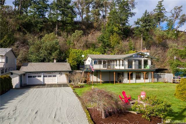 212 Long Beach Dr, Camano Island, WA 98282 (#1557691) :: Alchemy Real Estate
