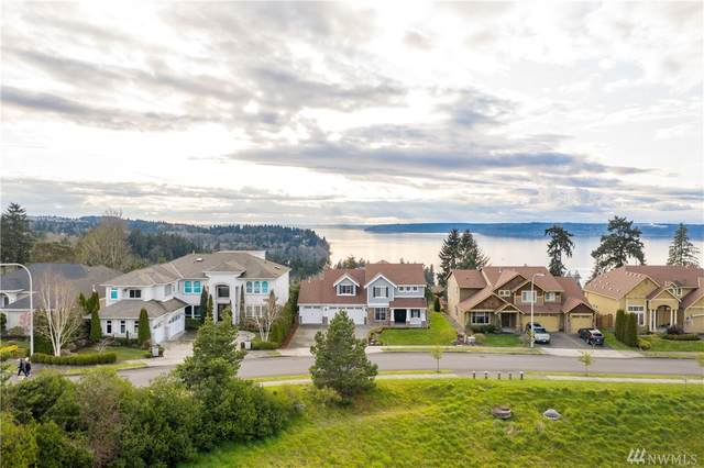 30419 24th Ave SW, Federal Way, WA 98023 (#1560761) :: Beach & Blvd Real Estate Group