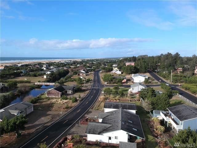 30505 J Place, Ocean Park, WA 98640 (#1562321) :: Ben Kinney Real Estate Team