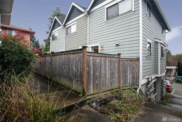 9243 35th Ave SW B, Seattle, WA 98126 (#1564399) :: The Kendra Todd Group at Keller Williams