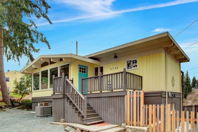 5704 S Leo St, Seattle, WA 98178 (#1571114) :: The Kendra Todd Group at Keller Williams