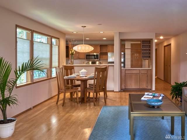909 N 35th St #103, Seattle, WA 98103 (#1576271) :: Beach & Blvd Real Estate Group