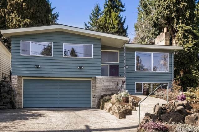 10525 11th Ave NE, Seattle, WA 98125 (#1579398) :: The Shiflett Group