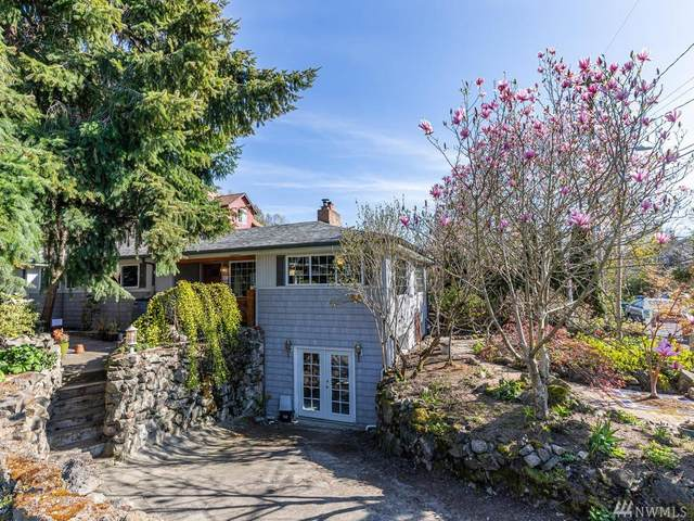 5950 17th Ave SW, Seattle, WA 98106 (#1584732) :: The Kendra Todd Group at Keller Williams