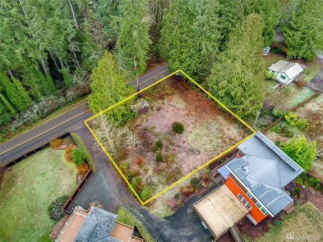 8639 Springridge Road NE, Bainbridge Island, WA 98110 (#1586860) :: Ben Kinney Real Estate Team