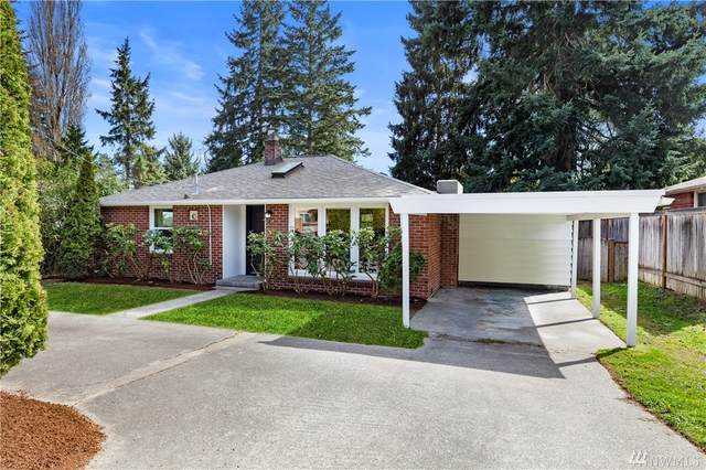 2135 N 155th St, Shoreline, WA 98133 (#1590163) :: Hauer Home Team