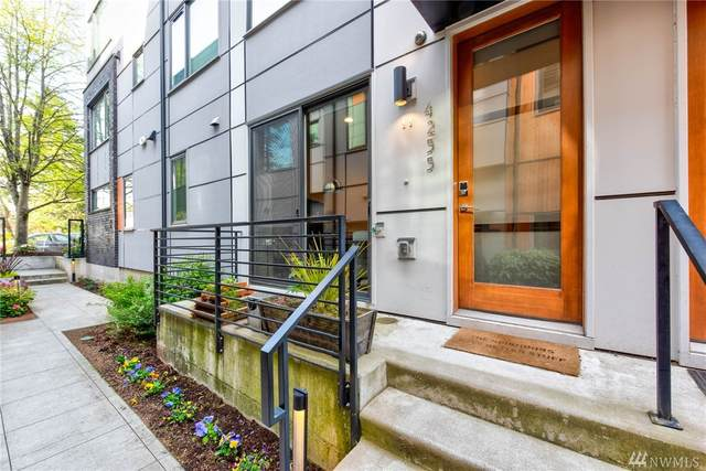 4255 SW Charlestown St, Seattle, WA 98116 (#1596018) :: The Kendra Todd Group at Keller Williams