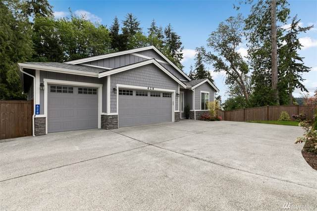 628 Landmark Ct NE, Bainbridge Island, WA 98110 (#1603135) :: The Royston Team