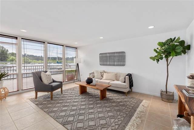 Lake Washington Boulevard NE #101, Kirkland, WA 98033 (#1611290) :: Real Estate Solutions Group