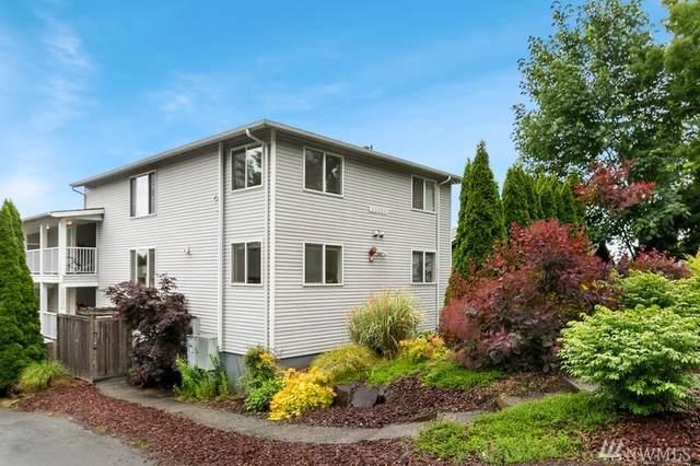 13227 35th Ave NE #3, Seattle, WA 98125 (#1614805) :: Alchemy Real Estate