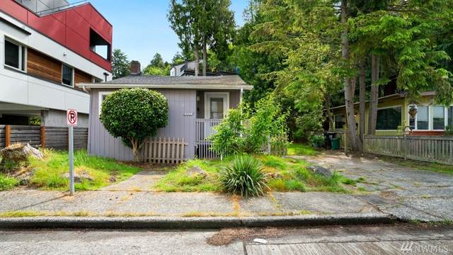 2426 Wickstrom Place SW, Seattle, WA 98116 (#1615886) :: Capstone Ventures Inc