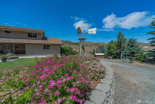 1166 Wenatchee Heights Road, Wenatchee, WA 98801 (#1619703) :: Ben Kinney Real Estate Team