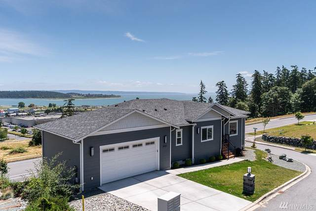 633 SW Founders Dr, Oak Harbor, WA 98277 (#1623828) :: Northern Key Team