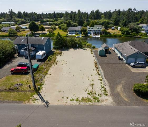 463 Canal Dr SE, Ocean Shores, WA 98569 (#1629176) :: Canterwood Real Estate Team