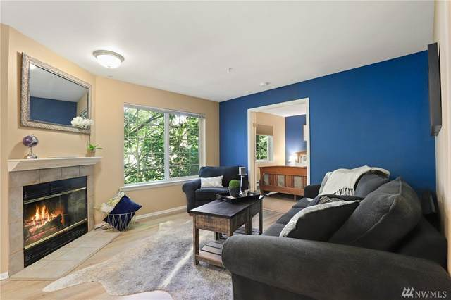 18505 SE Newport Wy A202, Issaquah, WA 98027 (#1631240) :: McAuley Homes