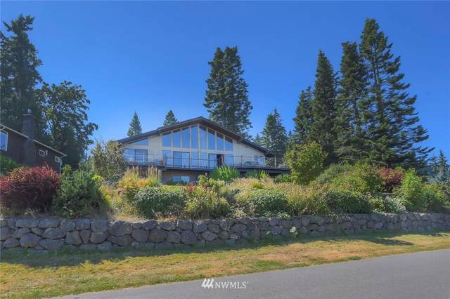 10793 NE Bill Point Drive, Bainbridge Island, WA 98110 (#1646736) :: Pacific Partners @ Greene Realty