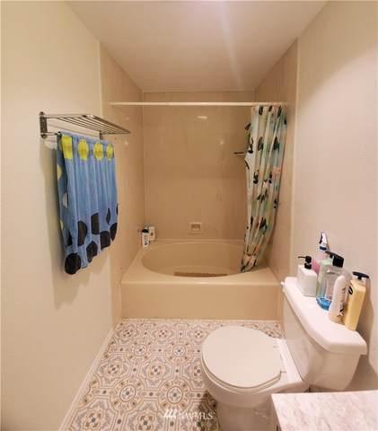 12840 SE 40th Court B-5, Bellevue, WA 98006 (#1647687) :: Ben Kinney Real Estate Team