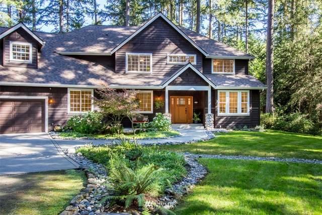 5424 NE Tolo Road, Bainbridge Island, WA 98110 (#1651677) :: Ben Kinney Real Estate Team