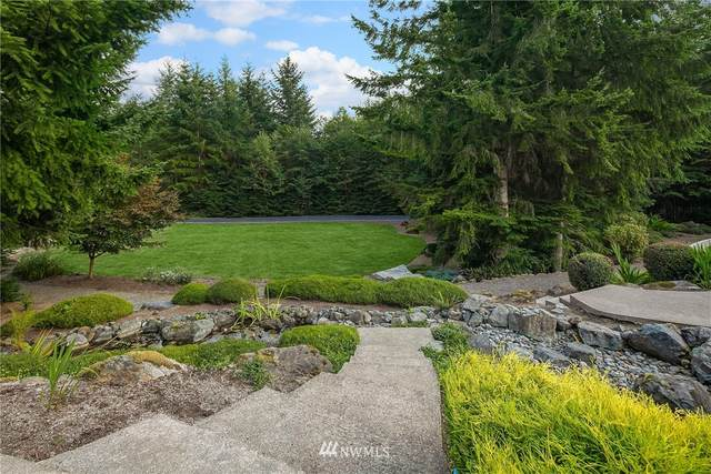 15929 Uplands Way SE, North Bend, WA 98045 (#1653049) :: Alchemy Real Estate