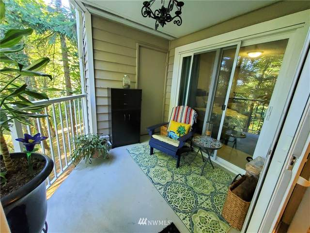 15240 SE 43rd Street B202, Bellevue, WA 98006 (#1653684) :: Pacific Partners @ Greene Realty
