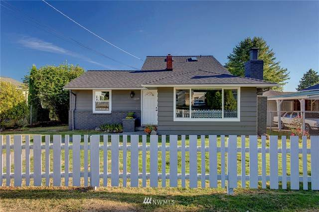 1239 SW 149th Street, Burien, WA 98166 (#1655077) :: Pacific Partners @ Greene Realty