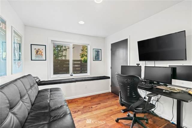 3941 S Brandon Street B, Seattle, WA 98118 (#1656873) :: Ben Kinney Real Estate Team