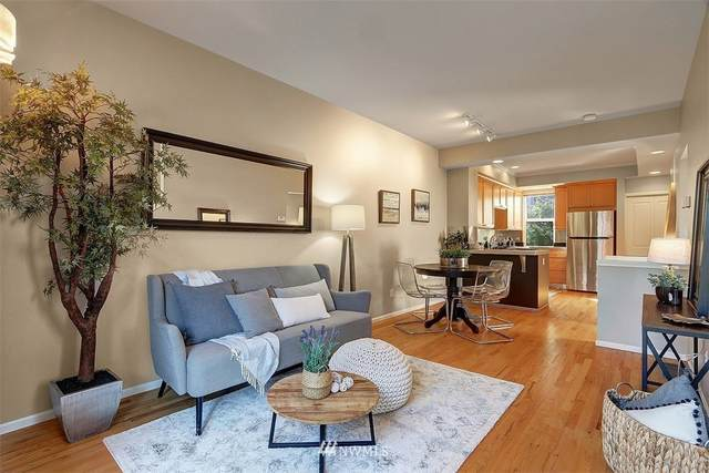 3045 60th Avenue SW B, Seattle, WA 98116 (#1657005) :: NextHome South Sound