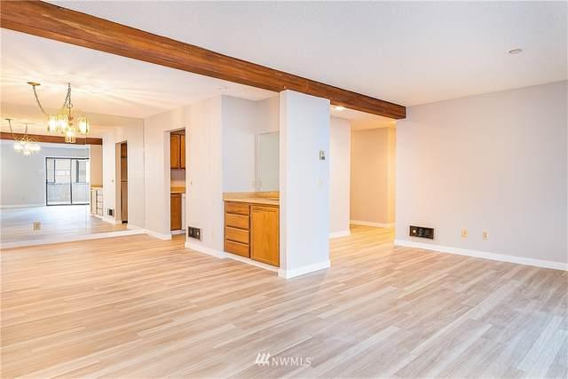 18606 52nd Avenue W #233, Lynnwood, WA 98037 (#1659587) :: McAuley Homes