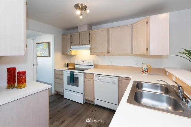 1307 NW Slate Lane #103, Silverdale, WA 98383 (#1659771) :: Ben Kinney Real Estate Team