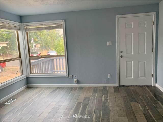 12253 51st Place S, Tukwila, WA 98178 (#1661491) :: Ben Kinney Real Estate Team