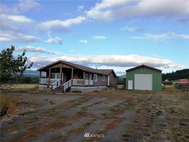 6714 Lower Peoh Pt Road, Cle Elum, WA 98922 (#1662689) :: The Robinett Group