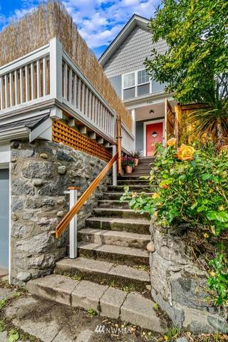 736 N 70TH Street, Seattle, WA 98103 (#1665232) :: Pickett Street Properties