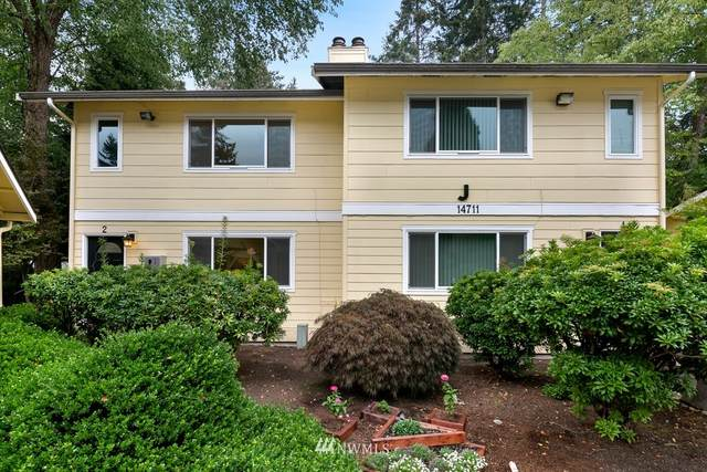 14711 NE 50th Place J2, Bellevue, WA 98007 (#1665815) :: McAuley Homes